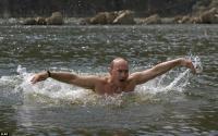 Владимир Путин отдохнул в Республике Тыва. И снова разделся.